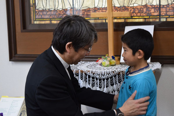 この日、直ちゃんは8歳のお誕生日の祝福を受けました