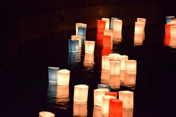 【西大寺の町並みシリーズ(その47 )】2015年8月も終わりの頃の土曜日、灯ろう流しが行われた。
