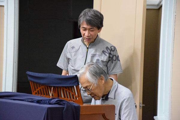 9月1日(金)の夜の礼拝堂にて、徹さんが来会され、久しぶりに礼拝堂のオルガンの前に座られました。