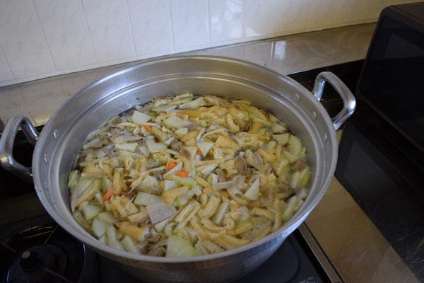 お野菜と油揚など準備完了!
