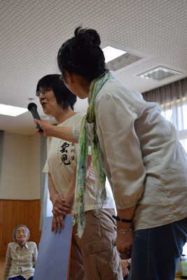 司会の亮子さん、そして、リーダーを支える幹子さん。幹子さんは、おそるべし旭東教会パワーに初めて触れたかな?