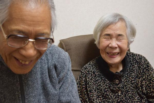 靖さんを訪問。お話をするうち、だんだん元気が出てきてこの笑顔。