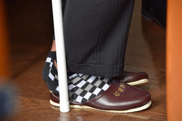 素敵な靴下です。さすが22歳のセンスです。真似は出来ないなぁ。