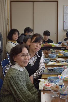 一番手前の恵子(しげこ)さんは、現在、山口県にお住まい。艶子さんのお誘いもあって、朝早くに出発、この日の旭東教会を堪能して元気に家路につかれました。