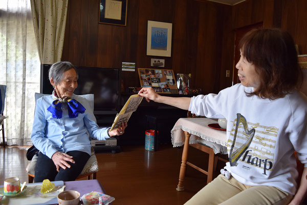 光子さんとあさこさん。ほら、お母さんこれ見て、と。