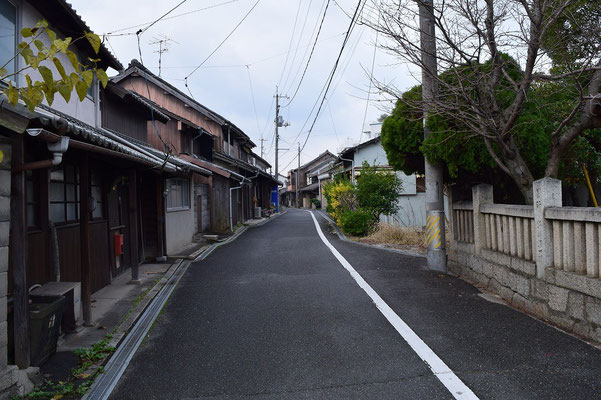 【西大寺の町並みシリーズ(その59 )】2015年12月16日(水)撮影。今回はこの通りを紹介したかったのであります。