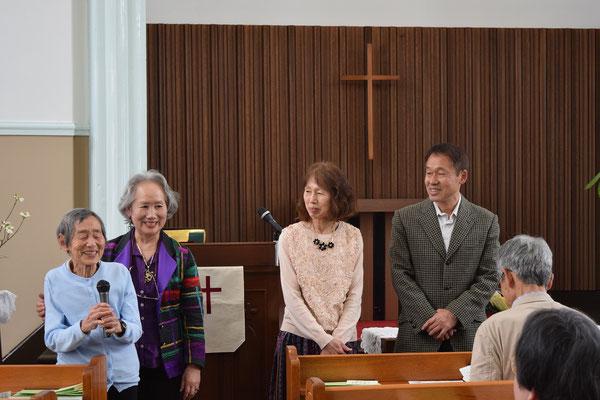 ここでもひろみさん賜物を活かしてたっぷりお話されました(^^♪  光子さんがマイクをもってご挨拶。お子さん方3人が一緒にこういう場面も幸せ感に満ちています。