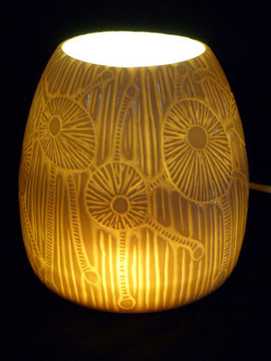 Lampe - porcelaine gravée et émaillée