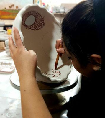 Atelier  de Darya Alishah -  émaillage à la main