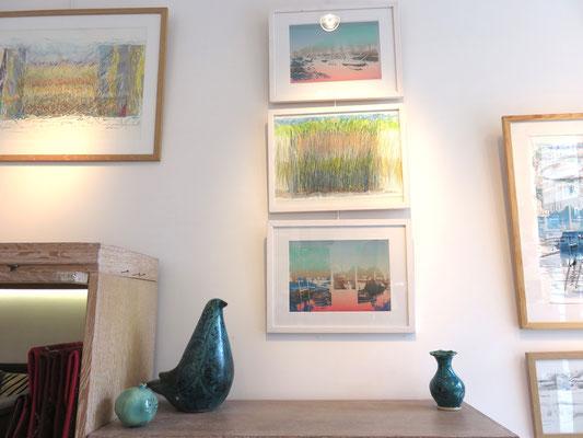 Sarah Wiame - 3 oeuvres 30X40cm - Port de St Christoly de Médoc, 30X40cm, sérigraphie- Roseaux, 30X40cm, mine de plomb, pastels huile, aquarelle- Port, 30X40cm, sérigraphie