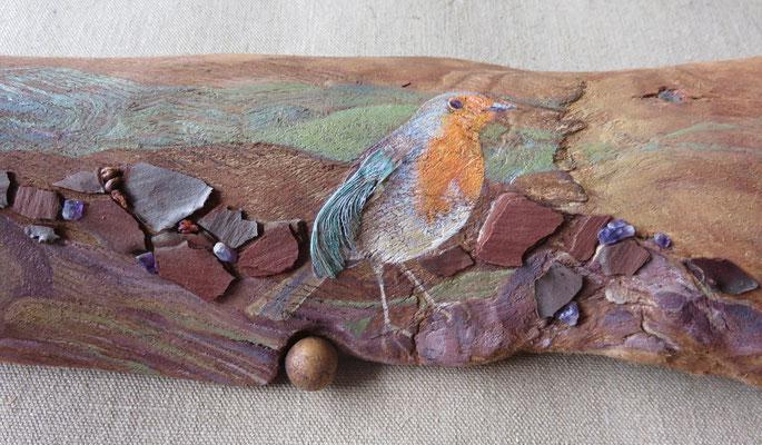 Françoise Trotabas - Nid et rouge gorge - écorce d'eucalyptus - peinture à l'huile - améthystes - pépins de raisin - écorces - branches -