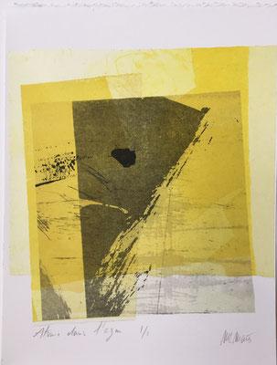 Marie -Clémentine Marès - graveur /plasticienne -  atome dans l'azur - Gravure encadrée -collage de fragments gravés- 18 X 25 cm- 180 euros