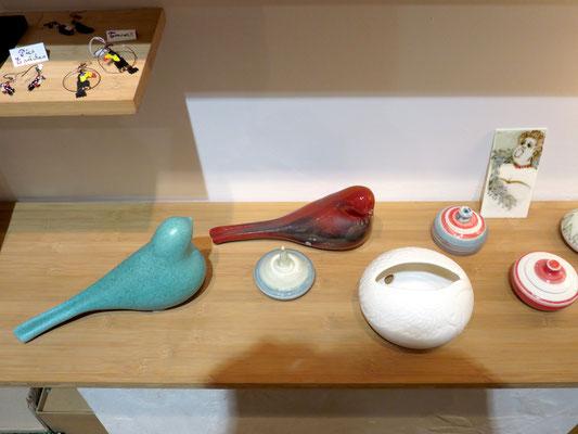 Deux Oiseaux de TOOTOO - Photophore cygne gravé en porcelaine et encrier