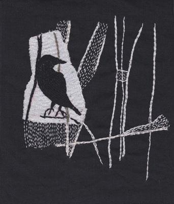 Hava Niknam - broderie - oiseau noir sur fond blanc - 2018 - 21x18cm - fil de soie sur tissu en lin