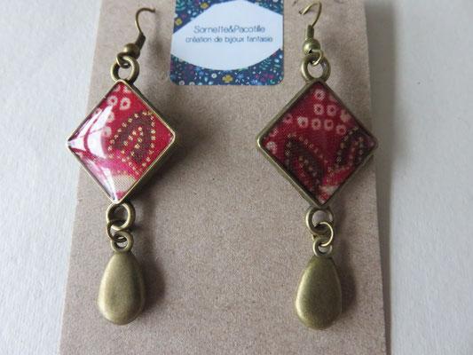 Sornette et Pacotille -Boucle en laiton finition bronze antique - cabochon carré  - breloque - tissus du Japon et résine - édition limitée