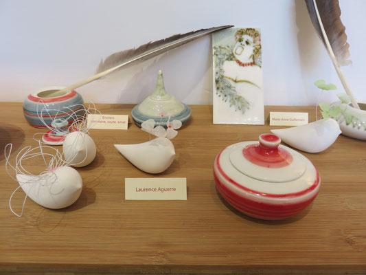 Encrier en porcelaine de Marie-Anne Guillemain - Oiseaux Fleurs en porcelaine froide de Laurence Aguerre