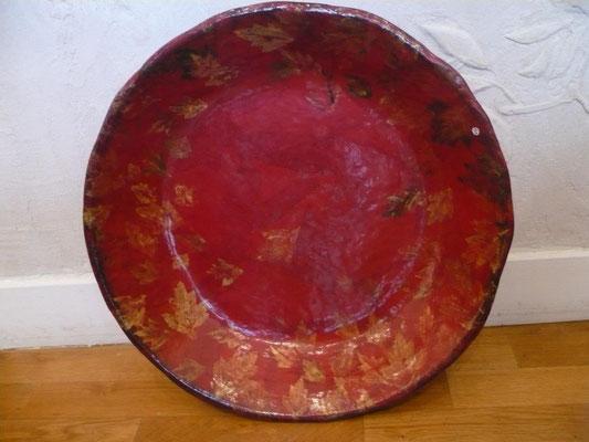Eve Tésorio - plat en papier maché - 50cm de diamètre environs