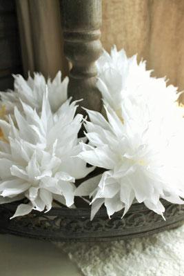 handgefertigte Papierblüten