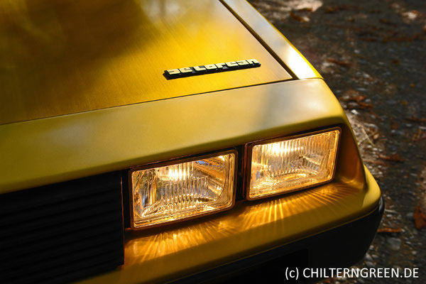 "DeLorean DMC-12 ""Gold-Replica"" (1982/2011)"