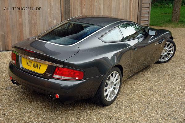 Aston Martin Vanquish S (2004 - 2007)