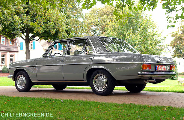 Mercedes-Benz 200 Automatic (1971)