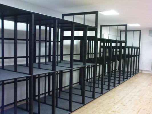Bilderregalsystem für eine Galerie, Wien