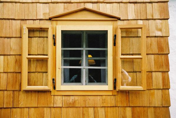 Kastenfenster und Holzschindeln, Oberösterreich
