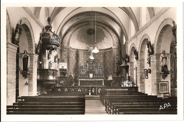 l'église vers 1950 avec le chemin de communion