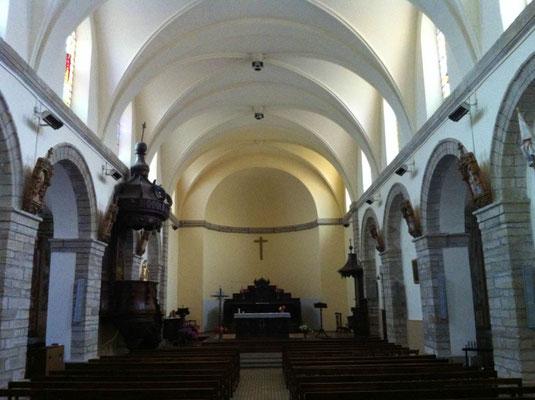 Intérieur église en 2000