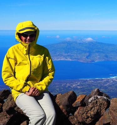Am Gipfel, hinten Faial  - Pico