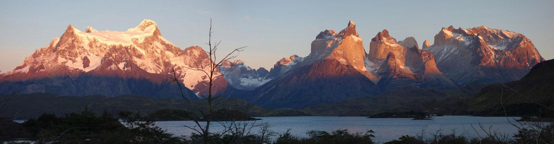 Torres del Paine im Abendlicht