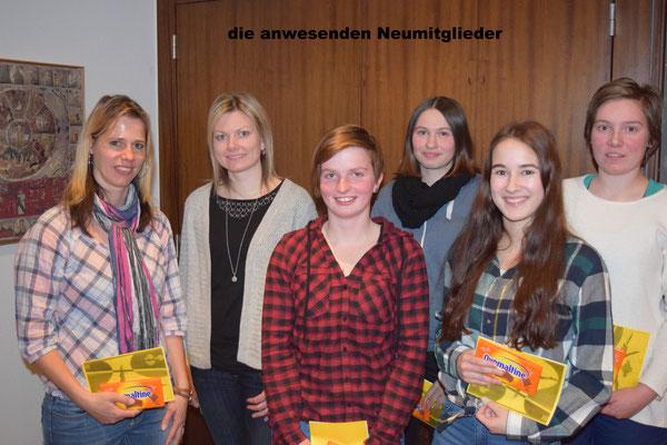 6 von 9 Neumitgliedern, Vreni Ettlin, Miranda Windlin, Maja Durrer, Fabia Küchler, Tanja Wagner, Barbara Michel