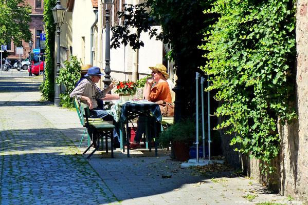 Kaffee trinken und schnacken in der Altstadt