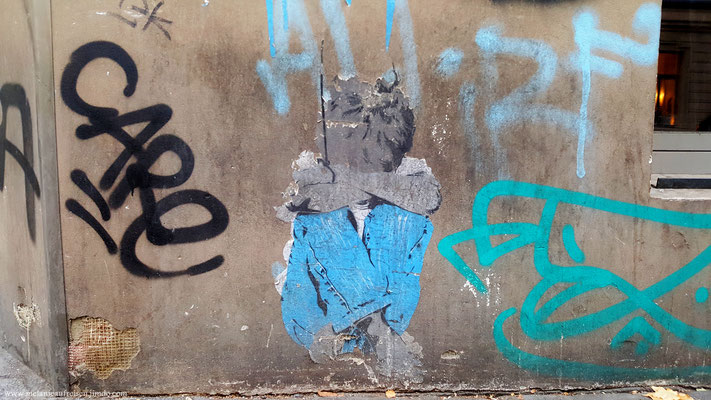Weinender Junge in Köln´s Straßen - Streetart