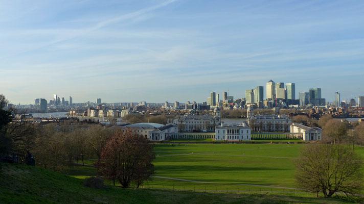 Blick vom Greenwich Park auf Londons Skyline