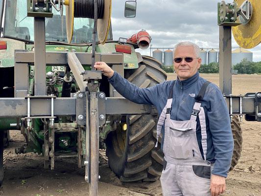 """Landwirt Anton Hirl in der Nähe von Ludwigslust setzt auf """"Unterflurtröpfchenbewässerung"""" (Foto: David Pilgrim)"""