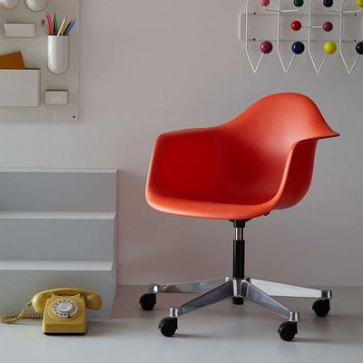 Chaise de bureau Eames Plastic Chair Vitra