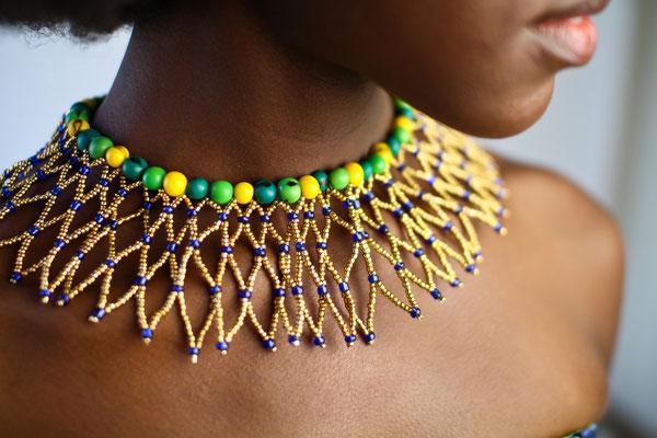 collier ras du coup plastron bresil couleur jaune vert doré rio paris design by indahia