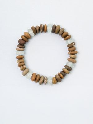 Steine aus dem Fluss Thur, ergänzt mit Aquamarin: «Strandgefühle»