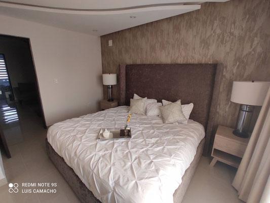 amplia recamara principal, cama king size casa modelo loira katavia residencial