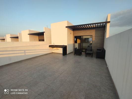 amplia terraza del modelo loira de katavia residencial apodaca nuevo leon