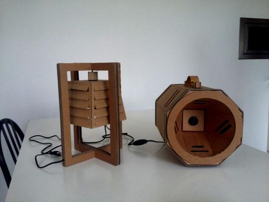 A gauche: Suspension Carré. A droite : Projecteur. Ampoules LED raccordement secteur (220V)