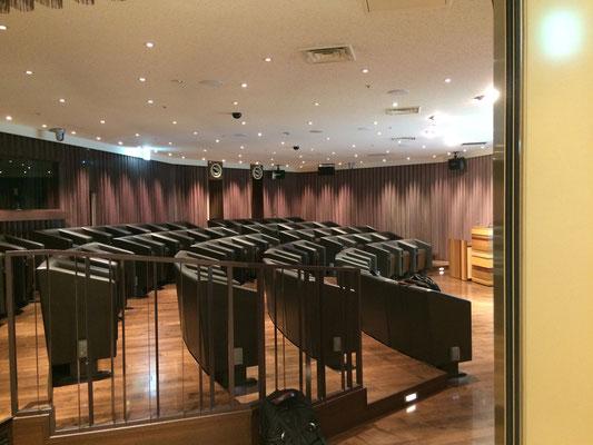 イベント会場。個人専用ボックス席になっています。定員60名。