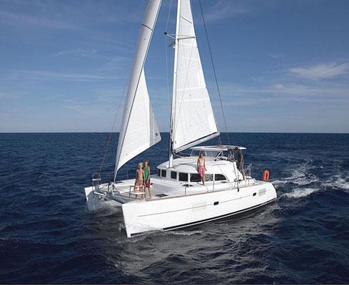 Familiensegeln auf Katamaran mit Skipper Bonifacio