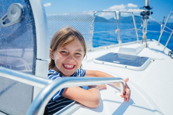 Kindersegeln im Tyrrhenischen Meer