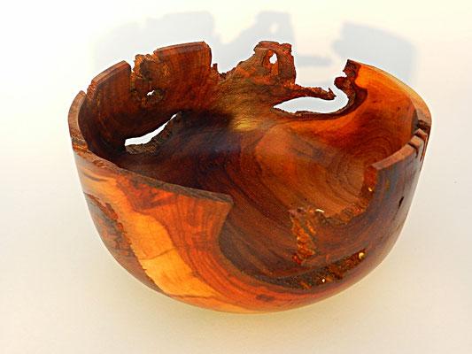Schale 5: Kirschbaum verwittert  Ø: 144 mm, H: 75 mm, Wandstärke: 4 mm