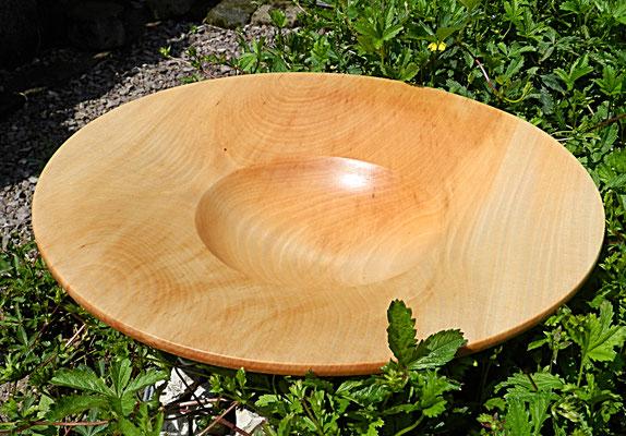 Schale 26: Lindenholz  Ø: 340 mm, H: 75 mm, Wandstärke: 6mm  -  Verkauft!