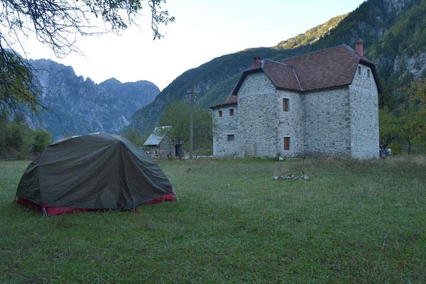 Am Morgen vor der Wanderung in Theth