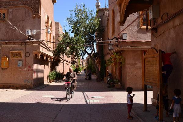 Kashgar: wie viele Überwachungskameras kannst Du sehen?