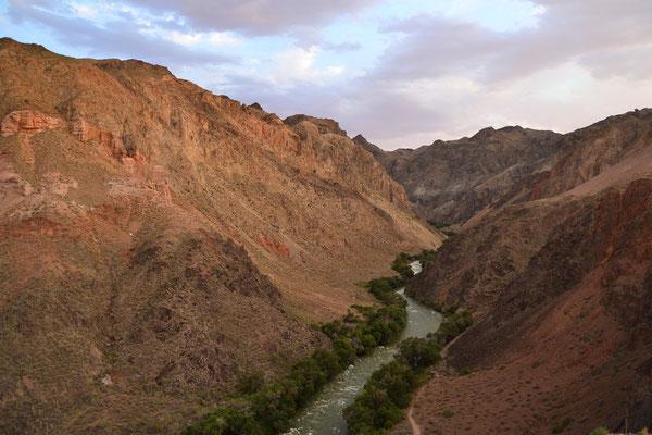 Unterwegs im Scharyn-Canyon